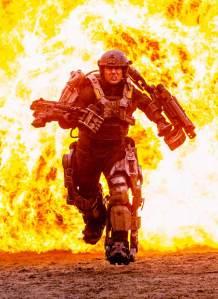 Tom Cruise como Bill Cage (Keiji Kiriya americano)